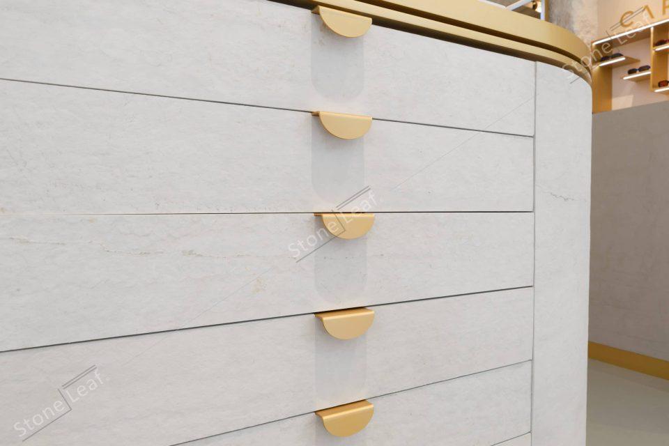Feuille de pierre 100% naturelle Helsinki en revêtement de meuble