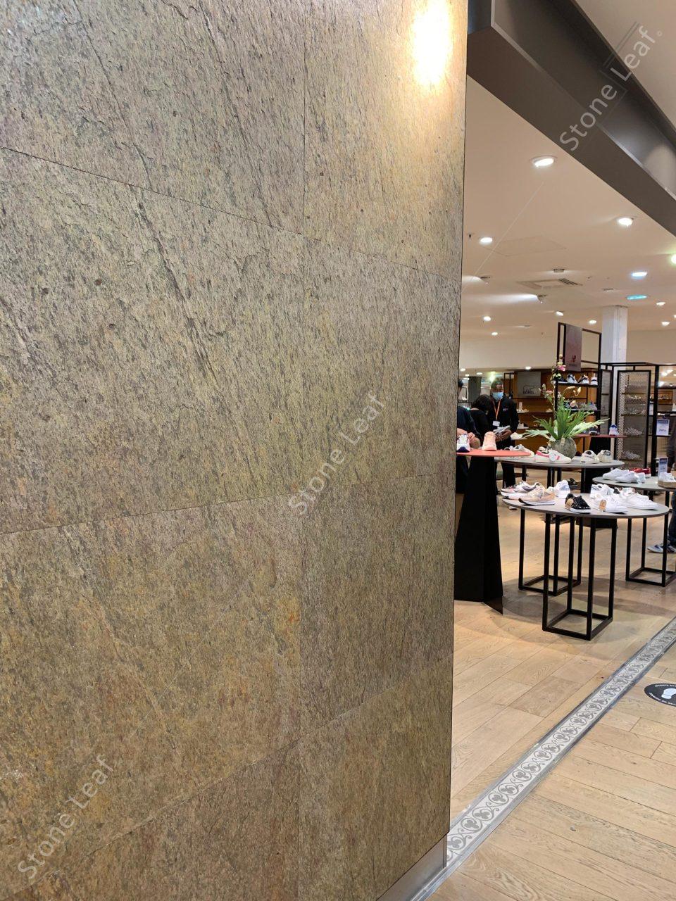 Feuille de pierre 100% naturelle Kuala Lumpur sur les murs d'une boutique