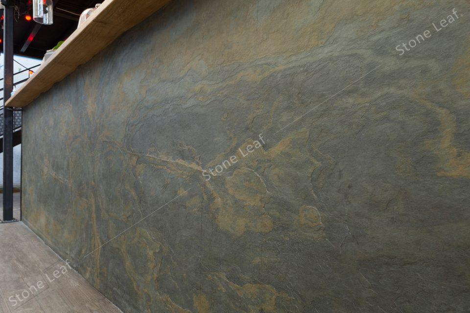 Feuille de pierre 100% naturelle sur le comptoir d'un bar