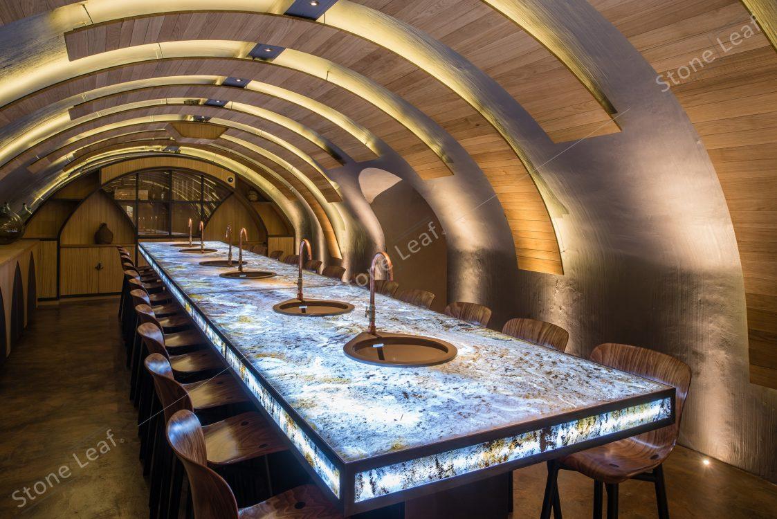 Feuille de pierre 100% naturelle translucide en mobilier de table