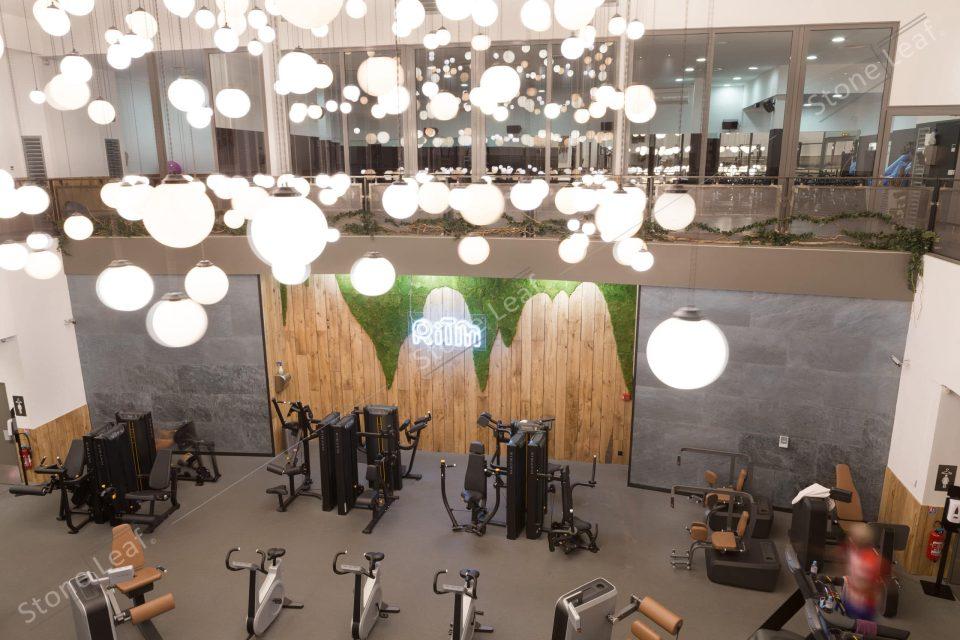 Feuille de pierre 100% naturelle dans une salle de sport