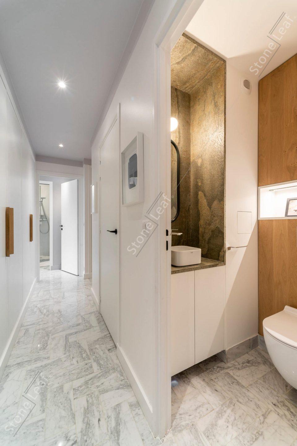 Feuille de pierre 100% naturelle en décoration de sanitaire