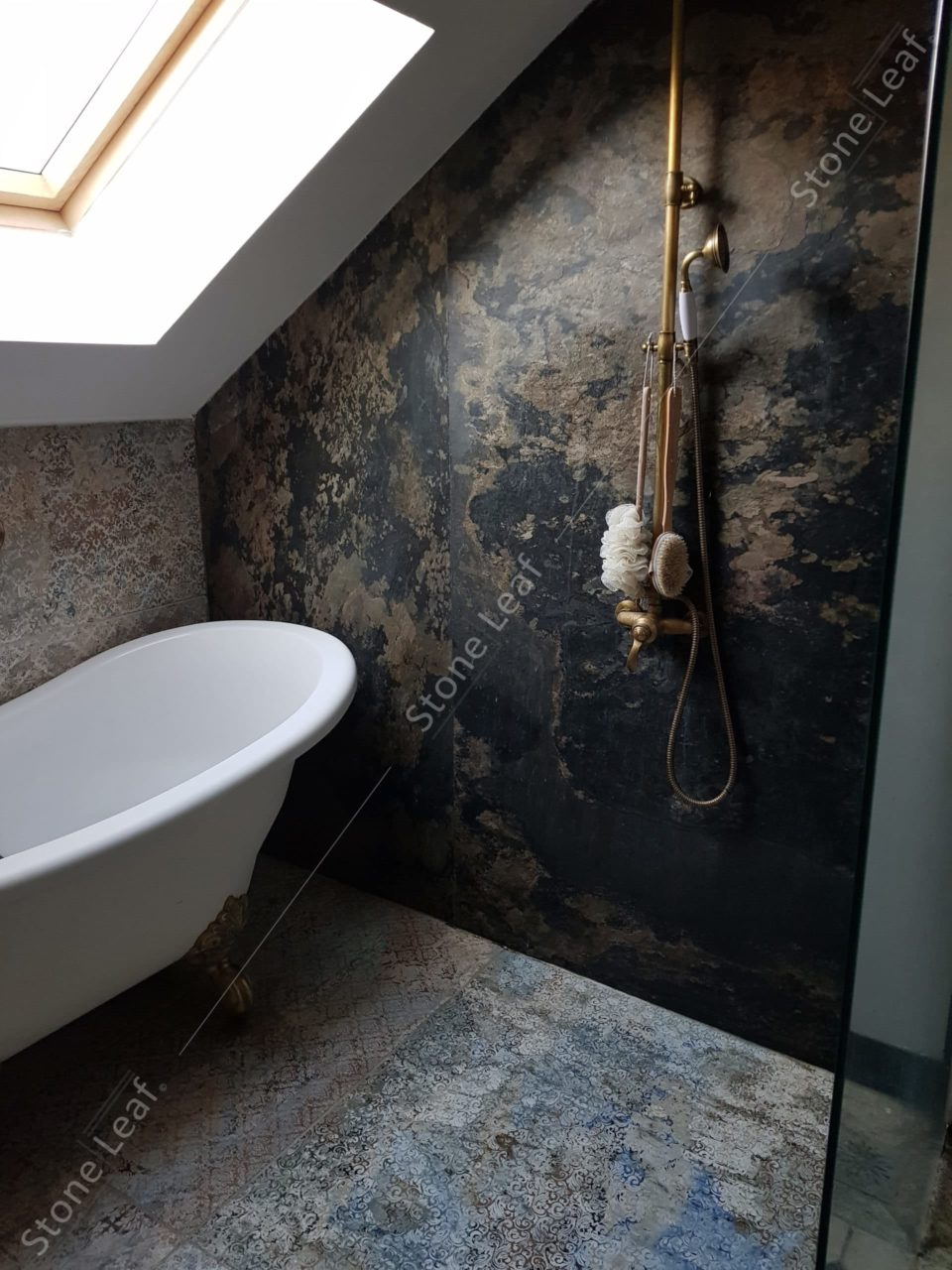 Feuille de pierre 100% naturelle en mur de salle de bain