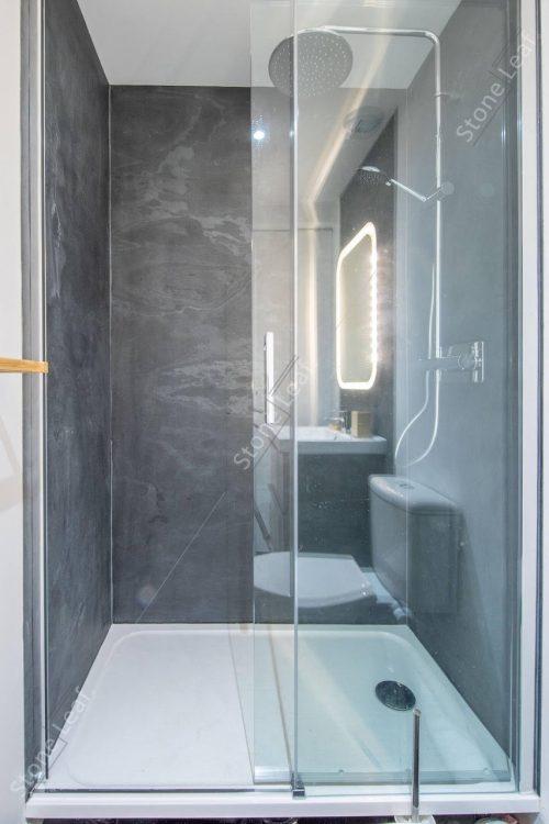 Feuille de pierre 100% naturelle en revêtement de douche