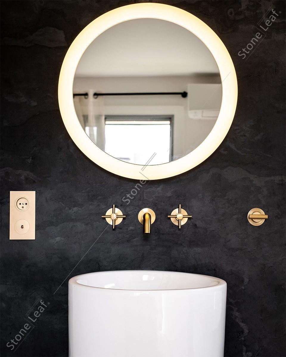 Feuille de pierre 100% naturelle Londres détail dans une salle de bain